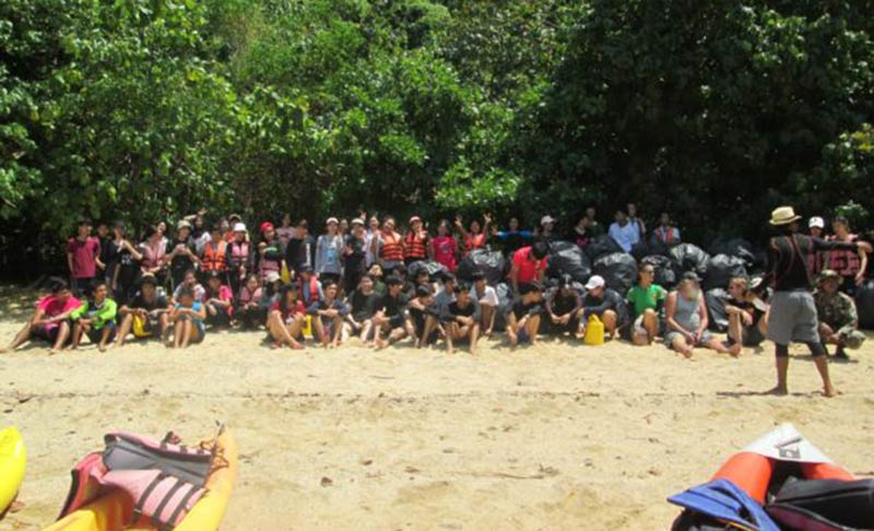 Super Divers Phuket and John Gray Sea Canoe beach clean up